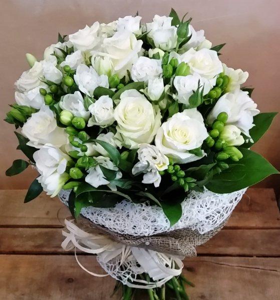 Mazzo Di Fiori Elegante.Bouquet Campagna Elegante Toscana Giardino Fiorito Fiori